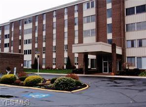 3066 Kent Rd #212, Stow, OH 44224 (MLS #4086312) :: Keller Williams Chervenic Realty