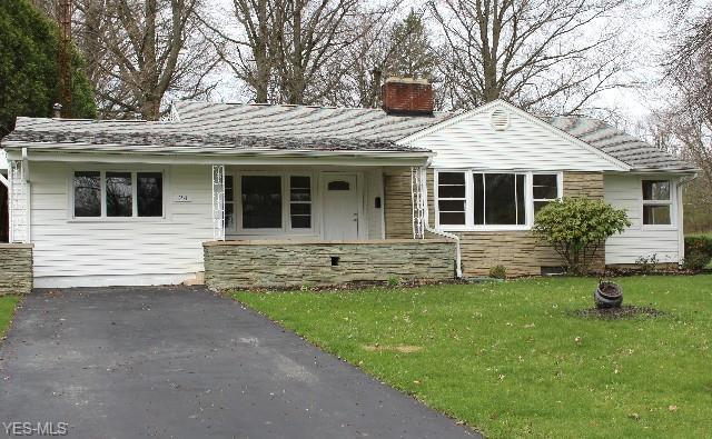 24 N Hillside Rd, Canfield, OH 44406 (MLS #4088180) :: RE/MAX Valley Real Estate