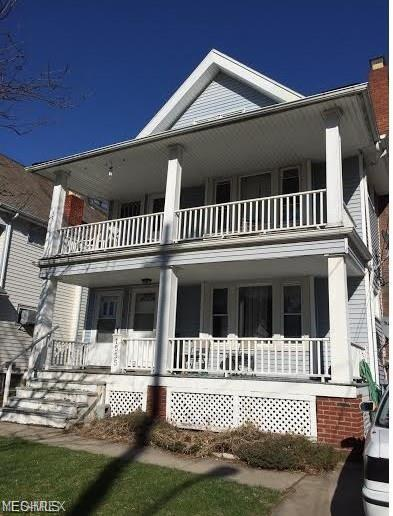 1555 Larchmont Ave, Lakewood, OH 44107 (MLS #4088812) :: Tammy Grogan and Associates at Cutler Real Estate