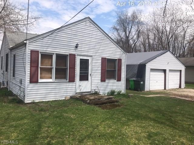 1017 Noble Ave, Barberton, OH 44203 (MLS #4093513) :: RE/MAX Edge Realty