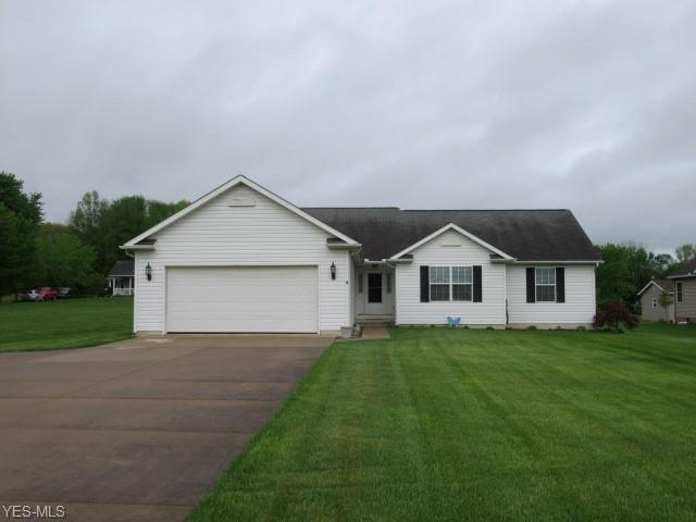 11597 Mogadore Ave NW, Uniontown, OH 44685 (MLS #4093905) :: RE/MAX Pathway