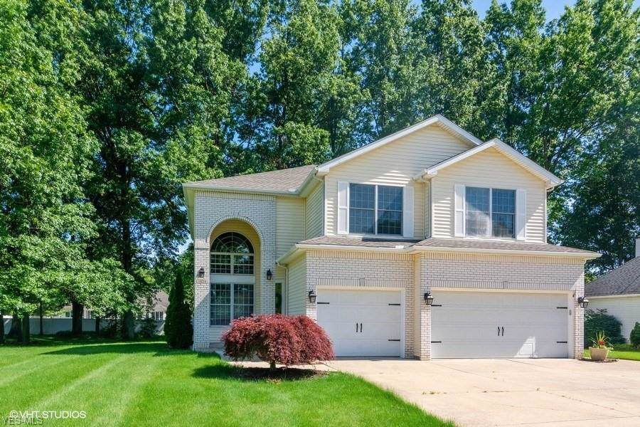 1029 Woodland Chase, Grafton, OH 44044 (MLS #4095374) :: RE/MAX Edge Realty