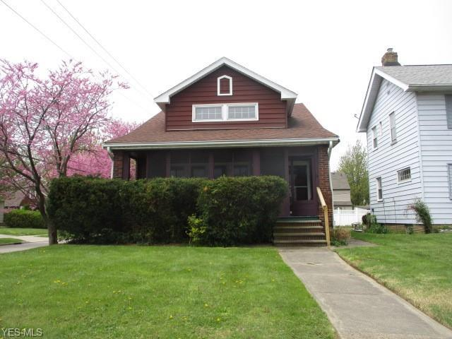 310 E 194 St, Euclid, OH 44119 (MLS #4098632) :: RE/MAX Trends Realty