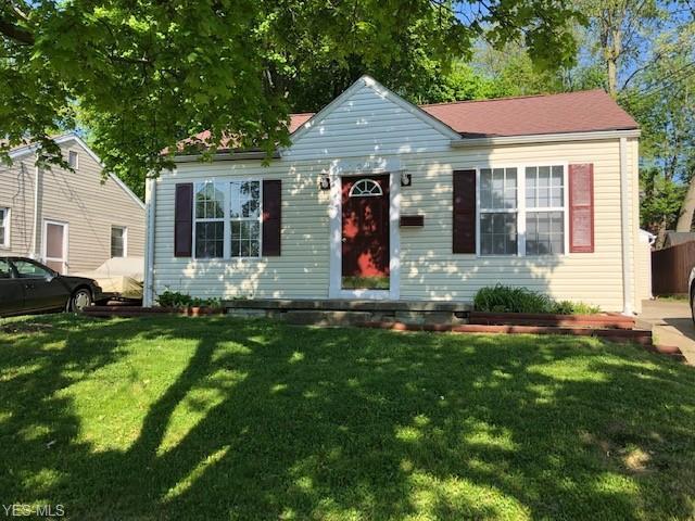 1295 Roslyn Avenue, Akron, OH 44320 (MLS #4098712) :: RE/MAX Edge Realty