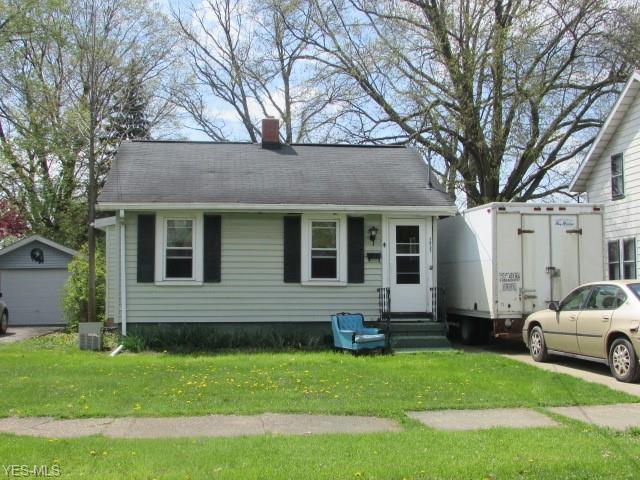 1837 Clermont Ave NE, Warren, OH 44483 (MLS #4099629) :: The Crockett Team, Howard Hanna