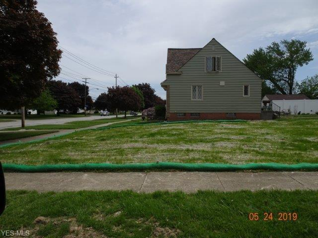 18249 Puritas Avenue, Cleveland, OH 44135 (MLS #4102557) :: RE/MAX Edge Realty