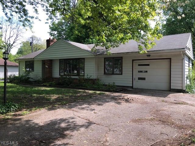 156 Bowhall Road, Painesville Township, OH 44077 (MLS #4103329) :: The Crockett Team, Howard Hanna