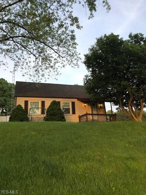 7750 Waynesburg Drive SE, Waynesburg, OH 44688 (MLS #4103855) :: The Crockett Team, Howard Hanna