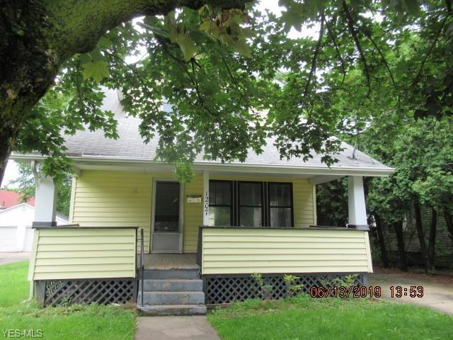 1207 California Avenue, Akron, OH 44314 (MLS #4106675) :: RE/MAX Edge Realty