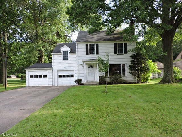 732 Golfview Avenue, Youngstown, OH 44512 (MLS #4107879) :: RE/MAX Edge Realty
