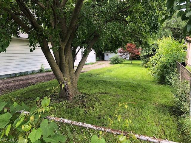 1827 Brevier Avenue, Cleveland, OH 44113 (MLS #4109682) :: RE/MAX Valley Real Estate