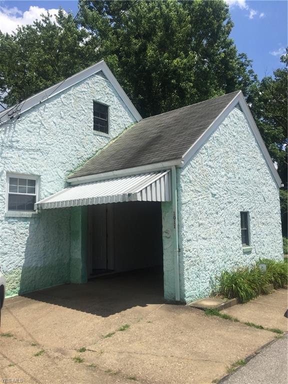 1011 Terrace Avenue, Parkersburg, WV 26101 (MLS #4110883) :: The Crockett Team, Howard Hanna