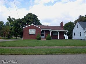 300 E Laclede Avenue, Youngstown, OH 44507 (MLS #4112580) :: The Crockett Team, Howard Hanna