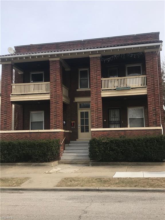 1321 W 85th Street, Cleveland, OH 44102 (MLS #4116727) :: Keller Williams Chervenic Realty