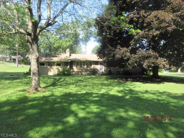 4555 Meadowview Drive - Photo 1