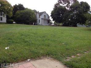 1010 Cherry Avenue NE, Canton, OH 44714 (MLS #4127095) :: The Crockett Team, Howard Hanna