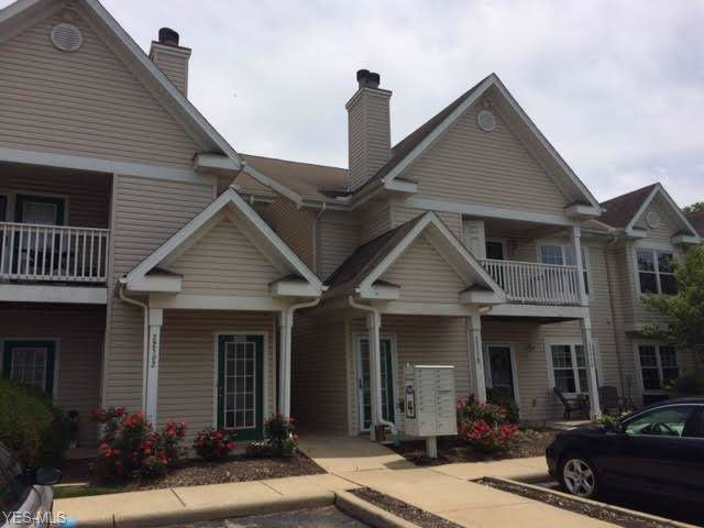 22558 Lenox Drive #424, Fairview Park, OH 44126 (MLS #4131283) :: RE/MAX Edge Realty