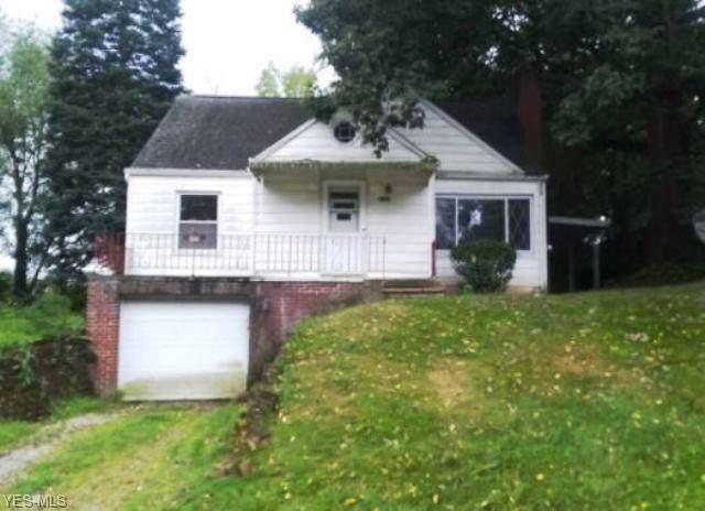 1322 18th Street NE, Canton, OH 44705 (MLS #4131655) :: The Crockett Team, Howard Hanna