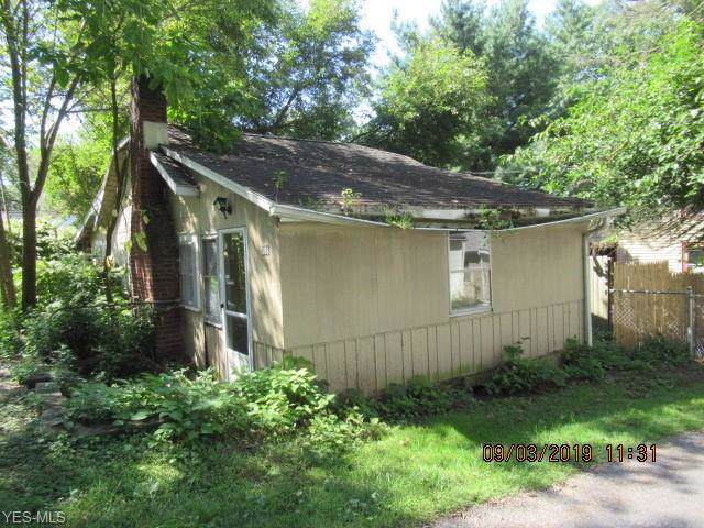 388 Cargo Avenue, Akron, OH 44319 (MLS #4132117) :: The Crockett Team, Howard Hanna