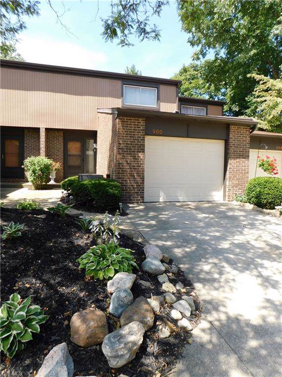 900 Quarry Drive, Akron, OH 44307 (MLS #4132250) :: The Crockett Team, Howard Hanna