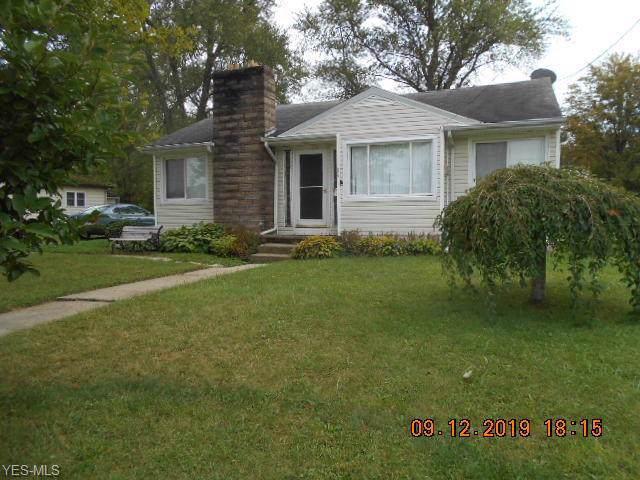 194 W Walnut Street, Jefferson, OH 44047 (MLS #4133691) :: The Crockett Team, Howard Hanna