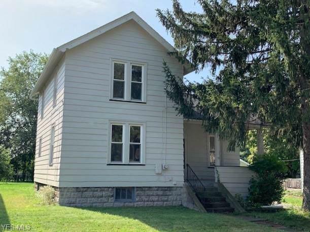 623 Fenton Street, Niles, OH 44446 (MLS #4135140) :: The Crockett Team, Howard Hanna