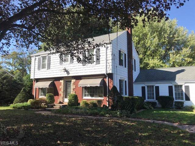 1637 N Lincoln Avenue, Salem, OH 44460 (MLS #4136922) :: The Crockett Team, Howard Hanna