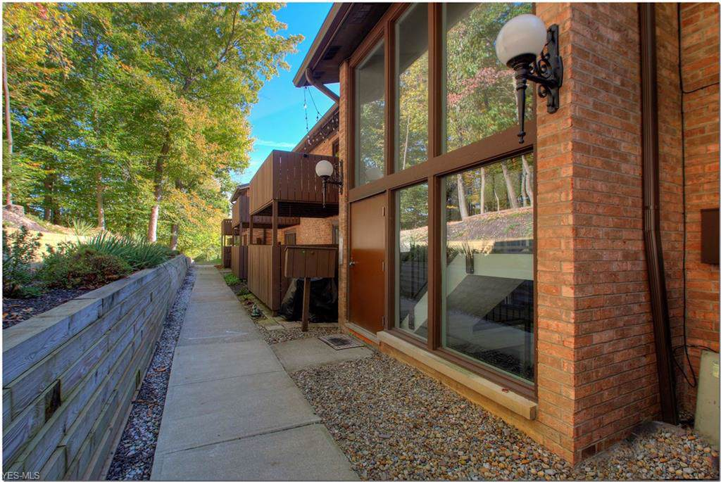 6885 Carriage Hill Drive - Photo 1