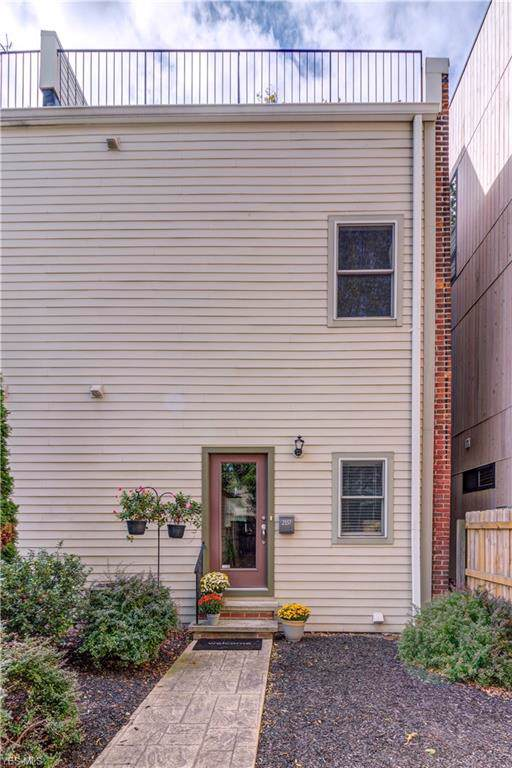 2337 W 5th Street, Cleveland, OH 44113 (MLS #4142401) :: RE/MAX Edge Realty