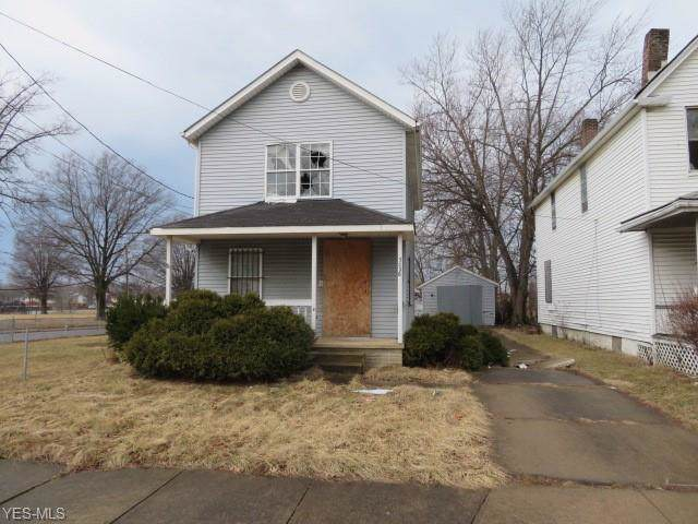 3036 E 78th Street, Cleveland, OH 44104 (MLS #4142604) :: The Crockett Team, Howard Hanna