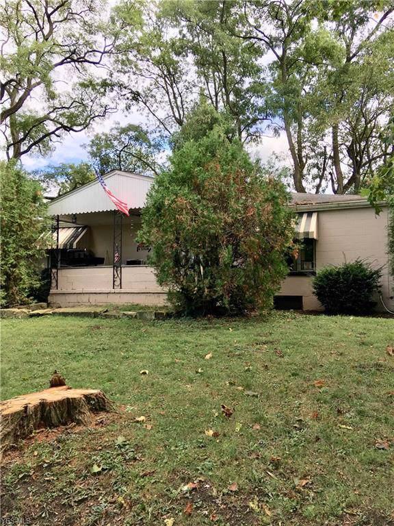 600 Devitt Avenue, Campbell, OH 44405 (MLS #4142976) :: Keller Williams Chervenic Realty