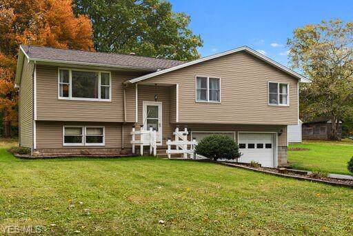 165 Struthers Liberty Road, Youngstown, OH 44505 (MLS #4143591) :: RE/MAX Valley Real Estate