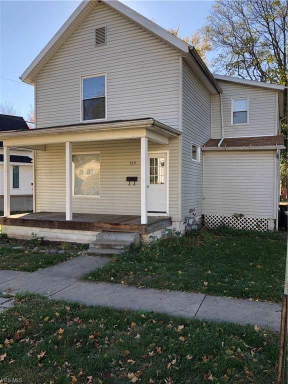 219 Burt Avenue, Coshocton, OH 43812 (MLS #4145981) :: The Crockett Team, Howard Hanna