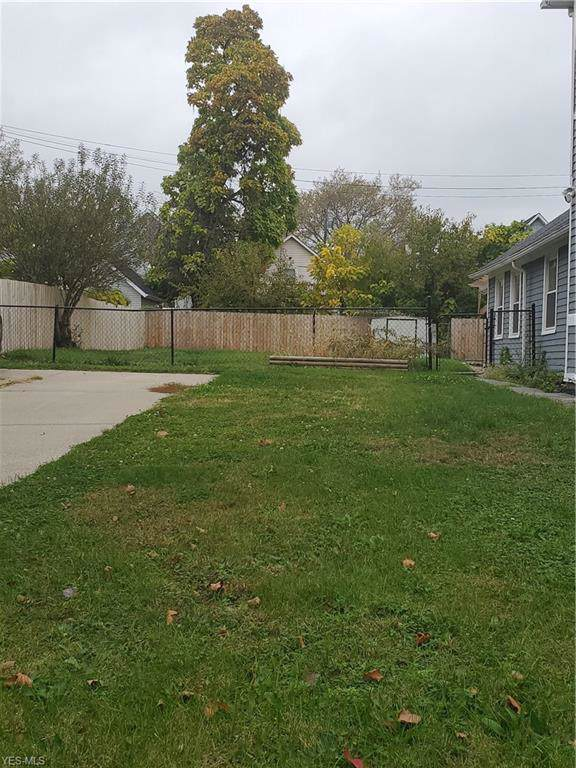 W 41st Street, Cleveland, OH 44113 (MLS #4146179) :: RE/MAX Trends Realty