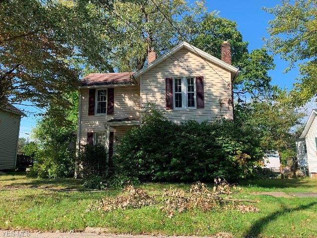 121 Vine Street, Ravenna, OH 44266 (MLS #4146594) :: The Crockett Team, Howard Hanna