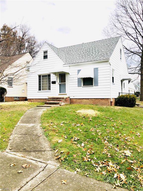 5529 Thomas Street, Maple Heights, OH 44137 (MLS #4152687) :: RE/MAX Trends Realty