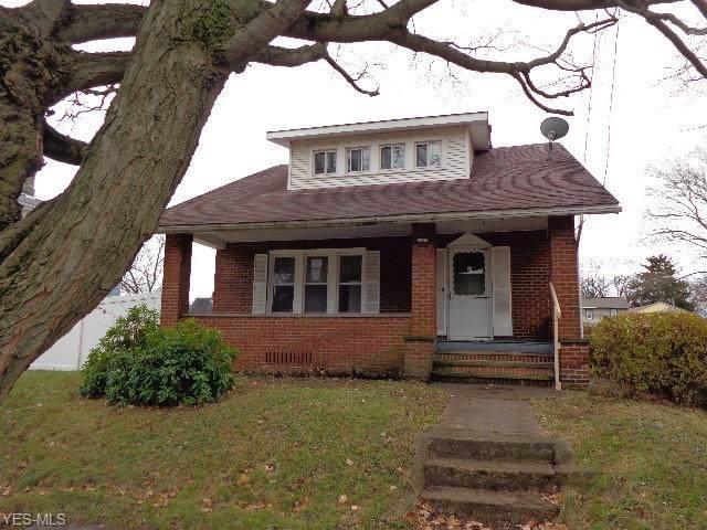 1227 Tremont Avenue SW, Massillon, OH 44647 (MLS #4153180) :: The Crockett Team, Howard Hanna