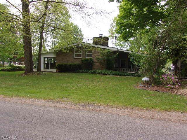 6865 North Boulevard, Andover, OH 44003 (MLS #4153404) :: RE/MAX Trends Realty