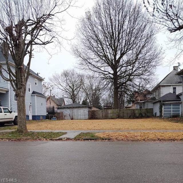 108 6th Street NE, Massillon, OH 44646 (MLS #4153910) :: The Crockett Team, Howard Hanna