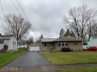 690 Saul Drive, Hubbard, OH 44425 (MLS #4154738) :: RE/MAX Trends Realty