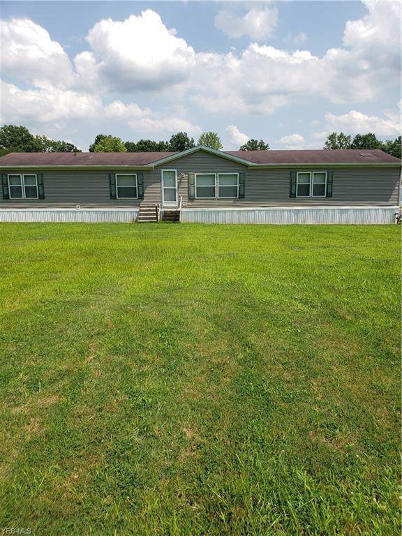 8 Cedarwood Drive #8, Beloit, OH 44609 (MLS #4159190) :: The Crockett Team, Howard Hanna