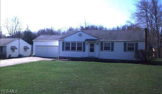 324 Towson, Warren, OH 44483 (MLS #4159906) :: The Crockett Team, Howard Hanna