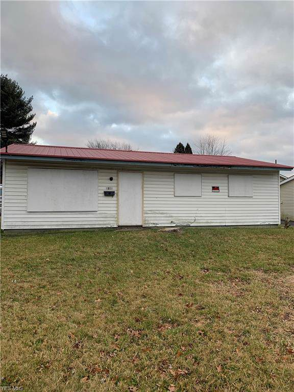1351 Dryden Avenue, Youngstown, OH 44505 (MLS #4160302) :: RE/MAX Trends Realty