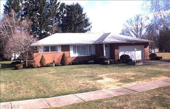2153 Glenn, Warren, OH 44484 (MLS #4162702) :: RE/MAX Valley Real Estate