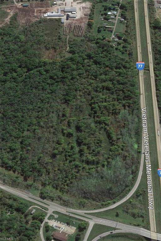 E Pike Road, Cambridge, OH 43725 (MLS #4164602) :: The Crockett Team, Howard Hanna
