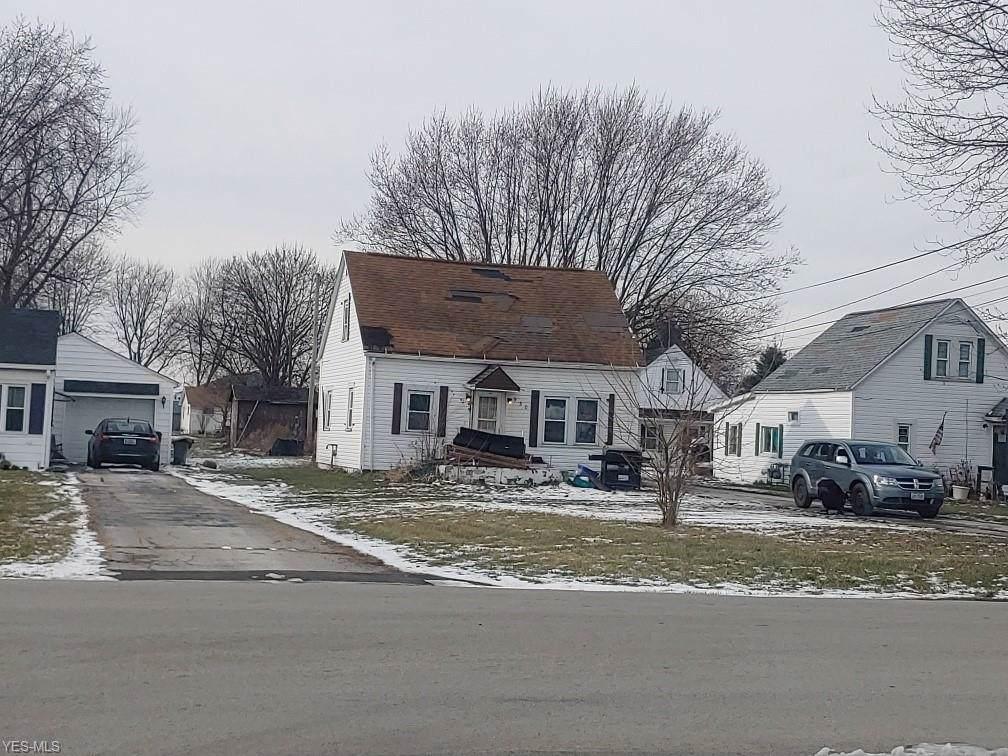 930 Everett Road - Photo 1