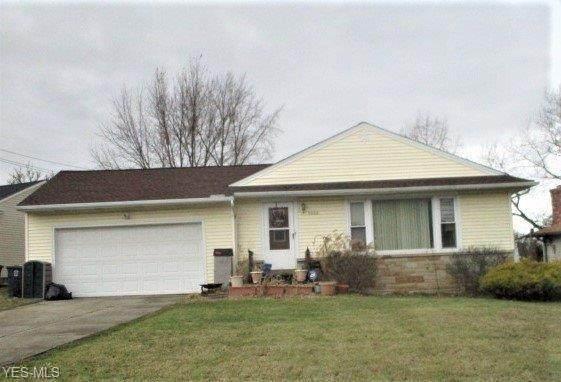 5000 Ridgebury Boulevard, Lyndhurst, OH 44124 (MLS #4165647) :: Tammy Grogan and Associates at Cutler Real Estate