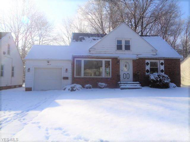 4876 Ridgebury Boulevard, Lyndhurst, OH 44124 (MLS #4167021) :: Tammy Grogan and Associates at Cutler Real Estate