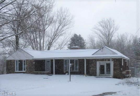 6125 Oak Street Ex, Lowellville, OH 44436 (MLS #4167198) :: The Crockett Team, Howard Hanna