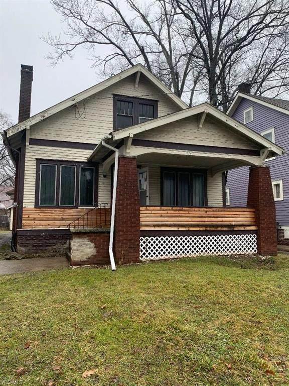 328 Mistletoe Avenue, Youngstown, OH 44511 (MLS #4167704) :: The Crockett Team, Howard Hanna